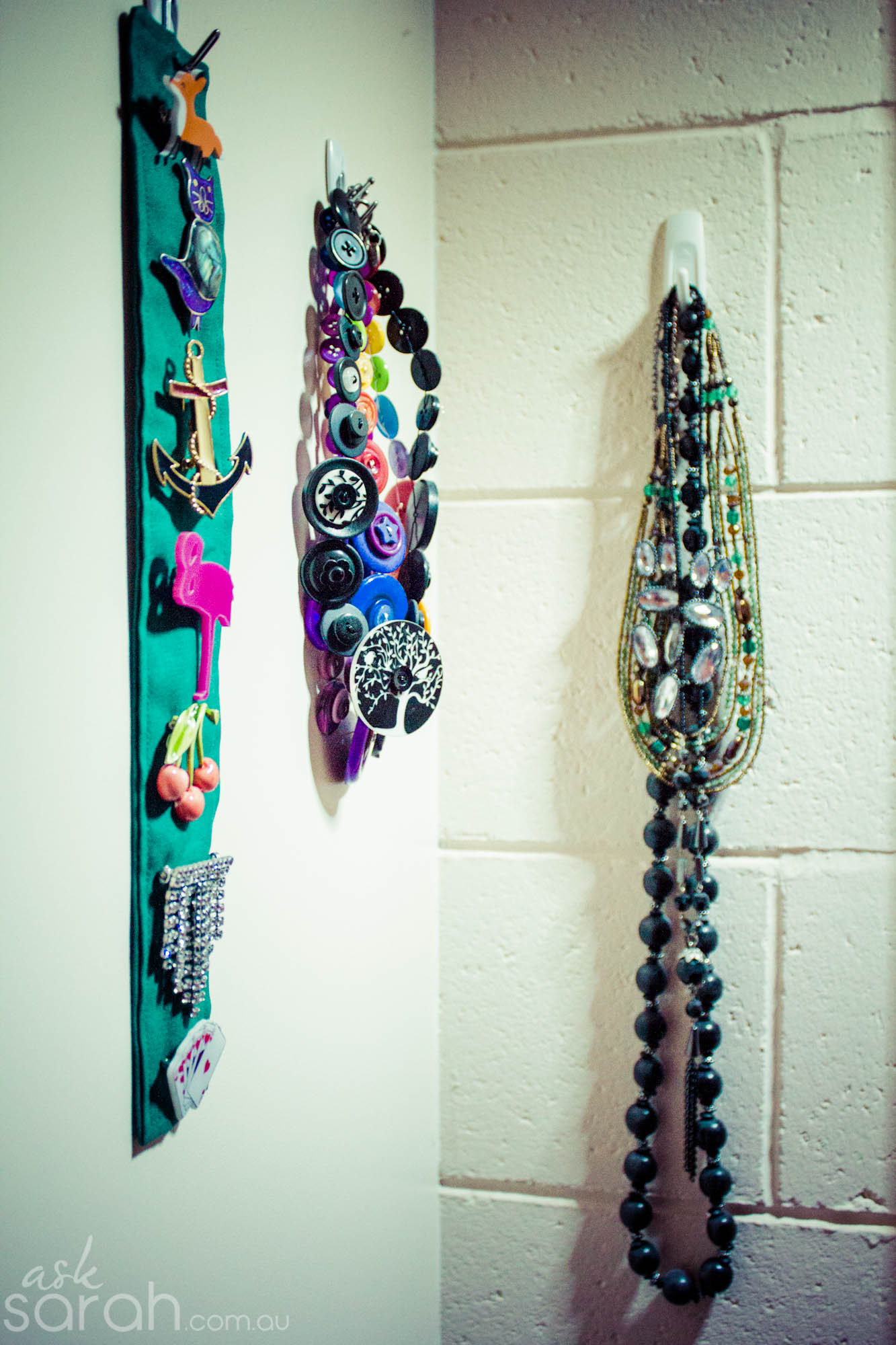 Tip: DIY Accessory Storage {Organize Necklaces, Brooches, Hair Clips, Head Bands & More}