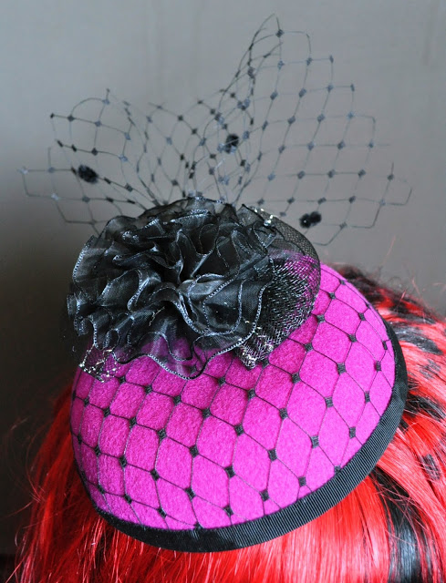Homemade Hats Ahoy! Pillbox from the Fashonate Traveller