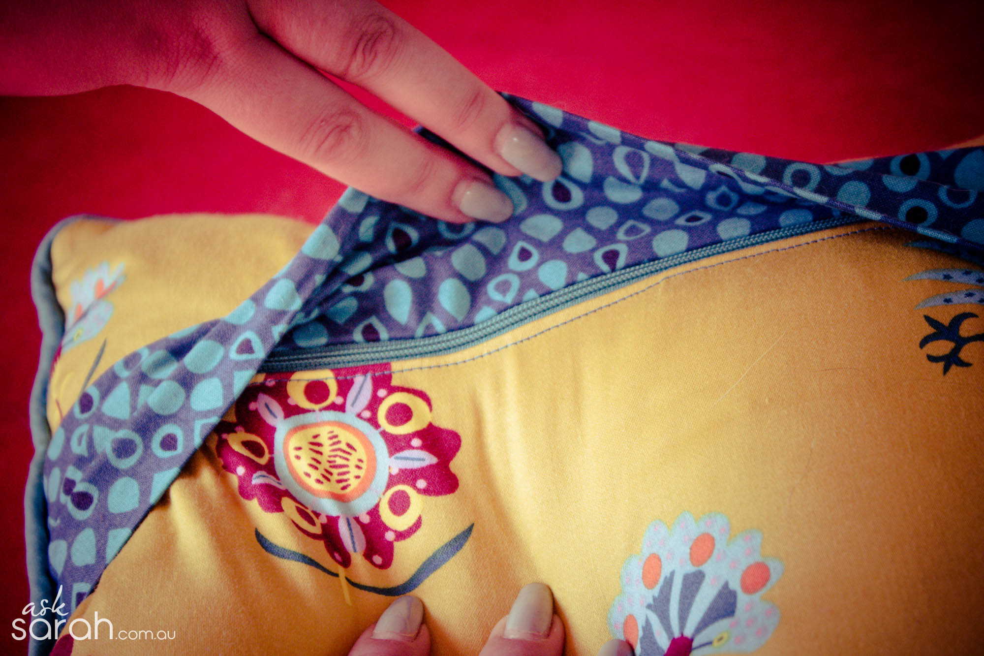 Sew: DIY Kitty Cat Throw Cushions {Tutorial Links For Piped Cushion with Zipper Flap & Appliqué Included}