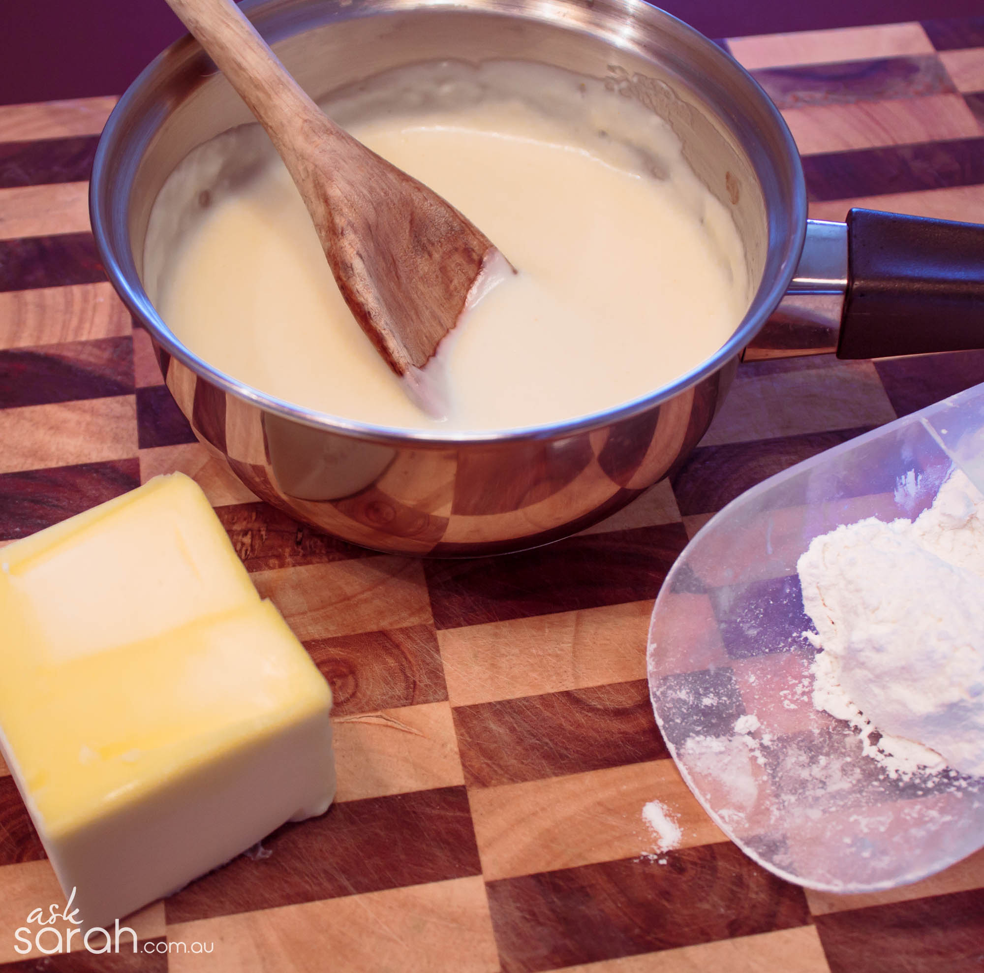 Recipe: Béchamel Sauce {Roux Based White Sauce}