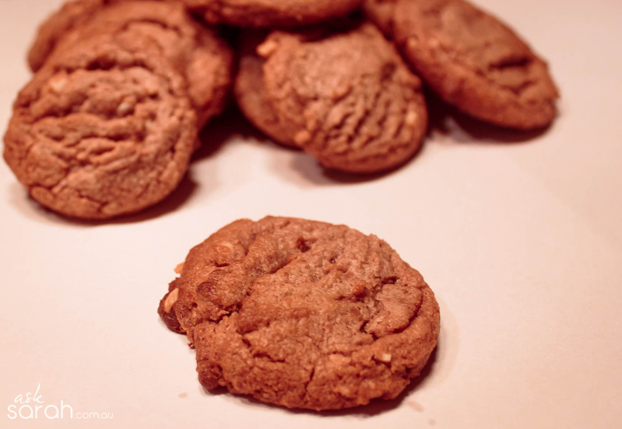 Recipe: Nutella Peanut Butter Cookies {Only 4 Ingredients & Flourless}