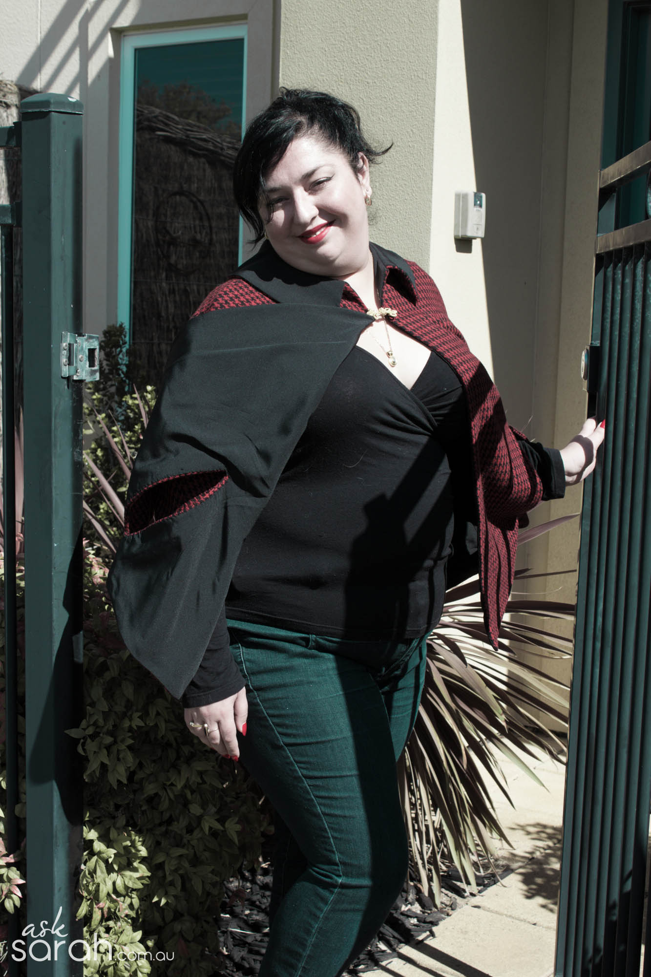 Sew: Not A Superhero But Definitely  Cape! {Sew A Collared Winter Cape}