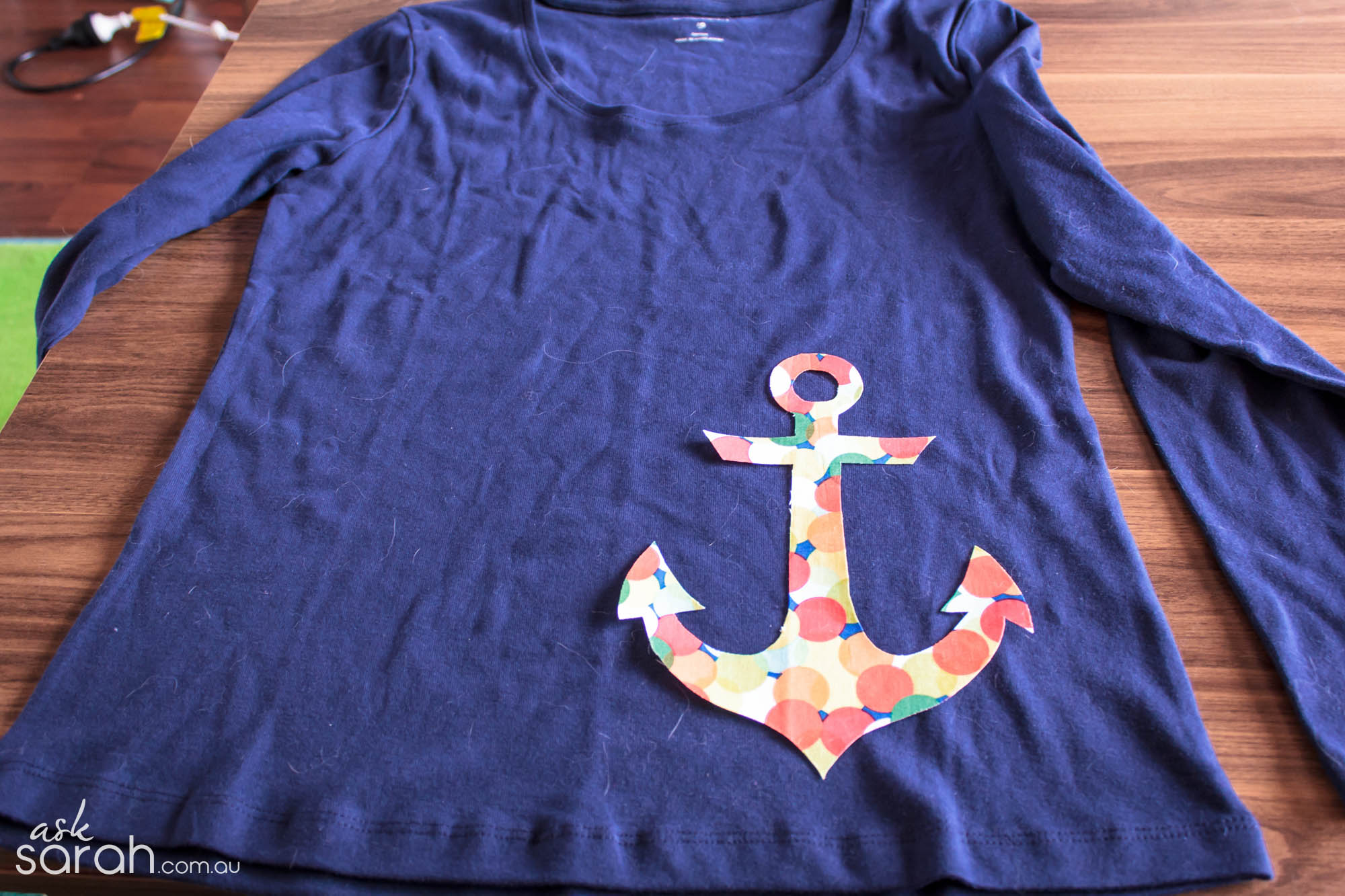 Sew: Take A T-Shirt And.... {Version One - Woven Fabric Appliqué Tutorial}